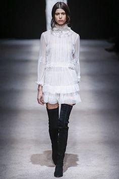 Alberta Ferretti Fall 2015 RTW Runway - Vogue