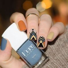 Unique and Creative Geometric Nail Designs For You. If you are looking for nail art designs and are still undecided then you are in the right place. We have put together unique ve beautiful geometric nail designs for you. Geometric Nail Art, Tribal Nails, Nails Polish, Latest Nail Art, Manicure E Pedicure, Nagel Gel, Blue Nails, Orange Nails, Orange Nail Art