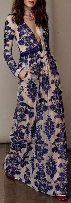 Maxi dresses are dresses that can fit any occasion whether you're going for a barbecue or an outdoor summer wedding this dress is the king or rather queen of summer outfits! These long loose dresses evoke the carefree months of summer season. View more at floryday.com