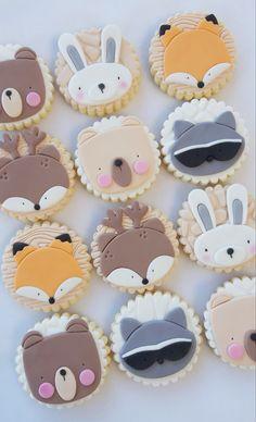 Fondant Cookies, Fondant Icing, Royal Icing Cookies, Animal Cupcakes, Cute Cupcakes, Deco Baby Shower, Baby Shower Cakes, Fox Cake, Woodland Cake