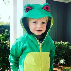 Look how cute this Froggy #columbia #childrens jacket is that we have in stock. Starting at size 2T. We  them!!!