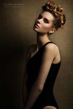 Studio portrait by Julia Ivanova / Studioxil, via Flickr