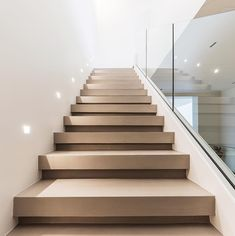 50 modern stair design ideas for your dream home 1 Home Stairs Design, Railing Design, Interior Stairs, Dream Home Design, Modern House Design, Interior Architecture, Stair Design, Stairway Lighting, House Staircase