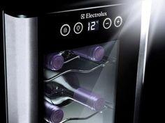 Adega Climatizada Electrolux 12 Garrafas ACS12 - c/ Display Touch Control e Iluminação LED