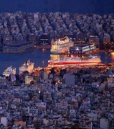 Piraeus by Night ..