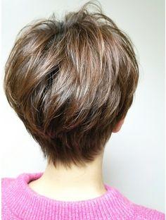 Haircut For Older Women, Haircut For Thick Hair, Cut My Hair, Short Layered Bob Haircuts, Short Hair Cuts, Short Hair Styles, Pixie Bob Hairstyles, Cool Hairstyles, Laura Lee