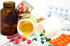 Dr Oz took a closer look at what three pills all women should have in their medicine cabinets. http://www.recapo.com/dr-oz/dr-oz-advice/dr-oz-women-need-probiotics-multivitamins/