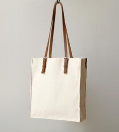Hand-crafted with love in San Francisco, the Presidio Canvas Tote is just the size for workdays of all sorts.