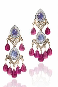 10 Unusual Pieces Of Jewellery That Were Created When Farah Ali Khan Collaborated With Tanishq!