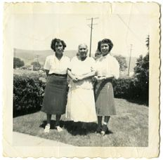 Concha Sanchez with her daughters Guadalupe and Maria, about 1940: Foods and flavors from Mexico have influenced American cuisine for centuries. But in the last half of the 20th century, Mexican-inspired foods found their way to every corner of the country, merging into the mainstream. Alongside traditional foods like tortillas, tacos, tamales, enchiladas, and salsas, new dishes emerged that reflected a blending of Mexican, regional American, and other Latino cultures.