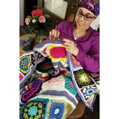 As my 365 Days of Granny Squares has progressed I have accumulated boxes of the completed squares with the intent to make blankets and various projects from all this hard work. My first endeavor was this Kaleidoscope Garden Afghan. Named for the variety of colors and the use of the 3-D floral squares in the center of the blanket this piece is a great beginning to this yearlong project. Follow the link in my bio to read more about this project.  Nadia  #crochet #crocheted #yarn #yarnutopia…