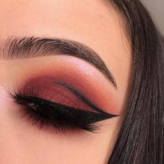 valentines makeup | graphic liner | red eye look