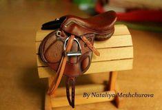 Model horse tack by Nataliya Meshchurova Miniature Horse Tack, English Horse Tack, Bryer Horses, Horse Riding Clothes, Horse Saddles, Horse Halters, Barrel Racing Horses, Horse Accessories, Hobby Horse
