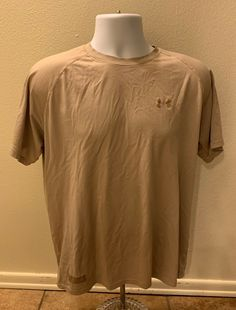 NWT Mens UNDER ARMOUR Heat Gear Mesh Fitted Shirt Heathered Black Size S Small