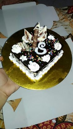 Happiest birthday to her. Bithday Cake, Birthday Cake Girls, Happy Birthday To Her, Birthday Goals, Birthday Wishes, Foto Mirror, Snap Food, Food Snapchat, Cookies And Cream