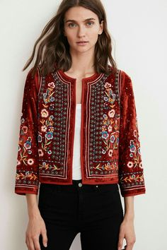 Embroidery Boho Style Fall Jacket - Hippie jacket, bohemian outfits, fall trends Informations About Embroidery Boho Style Fall Jacket Pi - Bohemian Mode, Bohemian Style, Boho Chic, Hippie Bohemian, Boho Outfits, Cute Outfits, Fashion Outfits, Fashion Trends, Fall Outfits
