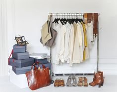 The French minimalist -- a few great items for the perfect wardrobe. blog.lescomposantes.com