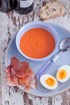 salmorejo Brunch, Party Finger Foods, Gazpacho, Spanish Food, Wines, Cantaloupe, Appetizers, Fruit, Ethnic Recipes