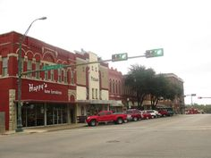 15 Towns In Texas Have The Best Main Streets You Gotta Visit