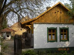 google.hu Hungary, Exterior, Cabin, Traditional, House Styles, Houses, Home Decor, Green, Home