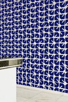 oscar niemeyer tiles - Google Search Tile Patterns, Shape Patterns, Oscar Niemeyer, Ceramic Tableware, Mosaic Designs, Pattern Illustration, Tile Design, Beautiful Patterns, Pattern Wallpaper