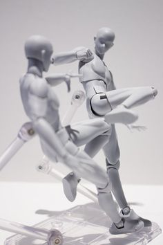 Body-kun & Body-chan Posable Figures- body-chan kicking