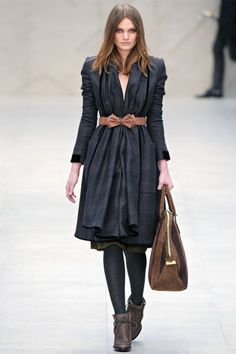 coat with bow by Burberry Fall 2012 | London Fashion Week #plaided #wintercoat