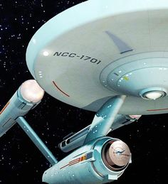 The starship USS Enterprise in space from the TV series Star Trek. Nave Enterprise, Uss Enterprise Ncc 1701, Star Trek Enterprise, Star Trek Original Series, Star Trek Series, Tv Series, Doctor Who, Star Wars, Star Trek Tos