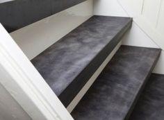 Trap in de nieuwe lijn 'Stoer Chique' van Upstairs. O.a. in leer verkrijgbaar.
