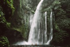 Mickey Ross: Moments and Situations - The Adventure Handbook. Sindang Gila Waterfall at the base of Mt Rinjani, Lombok, Indonesia