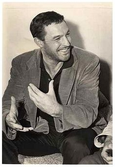 DO NOT underestimate the handsomeness that is Gene Kelly