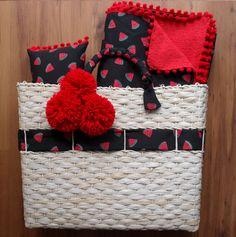 Diy Clothes Bag, Arts And Crafts, Diy Crafts, Deco Table, Cute Bags, New Job, Handmade Bags, Straw Bag, Pop Art