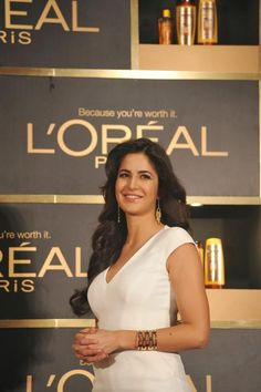 Katrina Kaif Launches Loreal Paris 6 Oil Nourish
