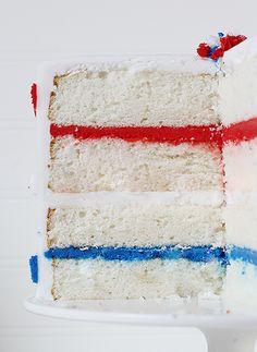 Red, White, & Blue Cake {Patriotic Cake} ~ http://iambaker.net