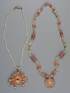 Sri Lanka | Gold, ruby and pearl necklaces | ca. 18th and 19th Century.