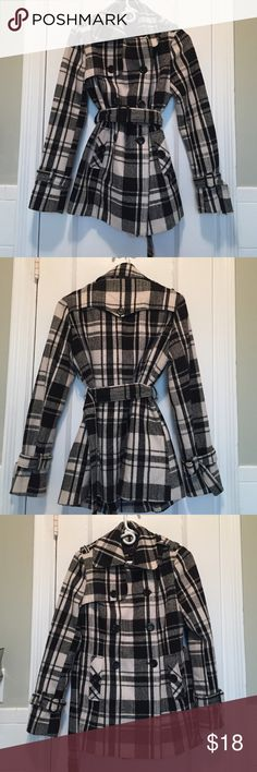 Warm pea coat for winter. Fits true to size. Size medium with a black and white checkered design. Has a nice belt to distinguish waist. Great jacket to wear out! Forever 21 Jackets & Coats Pea Coats