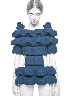 """As always its our utter pleasure at Trendland to bring you The Sandra Backlund Spring/Summer 2009 Collection entitled """"Pool Position"""". The brilliant conception of her hand knitted and crocheted collection reiterates over and over that Backlund must 3d Fashion, Knitwear Fashion, Knit Fashion, Fashion Fabric, Face Fashion, Fabric Manipulation Fashion, Moda 3d, Sandra Backlund, Knit Art"""