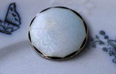O. F. Hjortdahl. Brosje i sterling sølv, med emalje. Vintage