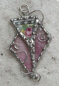 Untitled China and Glass Pendant       OMG!!!  I love, love, love this!!!
