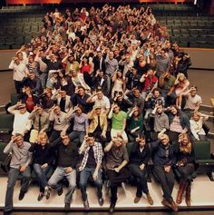"""Great """"Behind The Scenes"""" Moments From Our Favorite TV Shows Glee cast and crewGlee cast and crew Finn Glee, Glee Memes, Glee Club, Dianna Agron, Chris Colfer, Cory Monteith, Darren Criss, Film Serie, Best Shows Ever"""