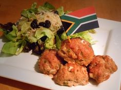 South African meatballs flavoured with fruit chutney. South African Dishes, South African Recipes, African Salad, Recipe Filing, Tasty Kitchen, World Recipes, Ground Beef Recipes, Chutney, Good Food