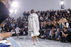 Christian Dior Spring 2016 Ready-to-Wear Atmosphere and Candid Photos - Vogue