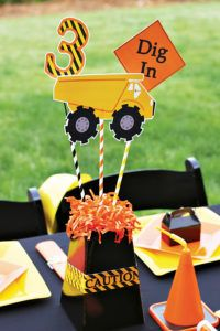 construction party centerpiece - blumebox with printable trucks