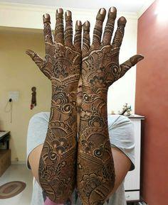 Pretty Henna Designs, Wedding Henna Designs, Rose Mehndi Designs, Back Hand Mehndi Designs, Indian Mehndi Designs, Modern Mehndi Designs, Mehndi Design Pictures, Beautiful Mehndi Design, Latest Mehndi Designs