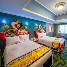 Disney bedroom home decor idea - Tokyo Disney Resort - Alice in Wonderland Casa Disney, Disney Hotels, Disney Fun, Downtown Disney, Cool Kids Bedrooms, Trendy Bedroom, Parc Disneyland Paris, Tokyo Disneyland, Walt Disney World
