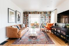 This weeks Inspired Interiors home tour is a Tudor in the Hollywood Hills. Historic charm intact, it is comfortably stylish. Living Room Decor, Living Spaces, Tudor Style Homes, Cozy Apartment, Historic Homes, Small Apartments, Persian Rug, House Tours, Family Room