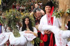 Marena and Kupala, traditional Midsummer ritual dolls. Zaporizhia, Ukraine, 2013. Photo by Yuri Zhuk