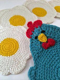 Chicken Or The Egg Coaster Set By Sarah Moss - Purchased Crochet Pattern - (ravelry) Crochet Kitchen, Crochet Home, Crochet Gifts, Knit Crochet, Crotchet, Wire Crochet, Crochet Vintage, Crochet Chicken, Chicken Crochet Potholder