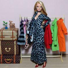 📷💎 #New #looks #Barbiestyle #BarbieCollector #Doll #Dolls #BarbieFashionistas #BarbieFashionista #BarbieGram #BarbieDoll #Moda #Friends #Love #BarbieBasic #BarbieBoy #BarbieLove #BarbieGirl #BarbieLover #DollCollector #LookDoDia #fashionista #tall #hermeskelly #hermes #louisvuitton #lookdodia #feitoamao