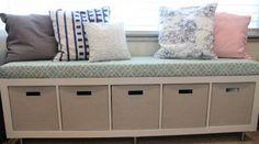 Wenn du wieder einmal bei IKEA warst, dann bist du ihnen sicher über den Weg gelaufen: Das berühmte Kallax-Regal mit 4 Fächern. Dieses sehr beliebte Regal findet man in vielen Haushalten und es ist sehr praktisch zur Aufbewahrung verschiedenster Dinge. Findest du diese Kallax-Regale etwas langweilig und willst du ihnen einen eigenen Look verpassen? Wir …